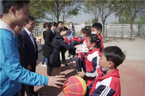 """助力乡村教育振兴 中国儿童少年基金会""""艾多美慈善教育项目""""落地安徽"""